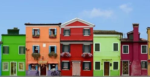 Wohnen und Wohlfühlen mit hochwertiger Dispersionsfarbe